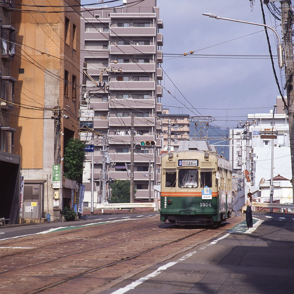 20028