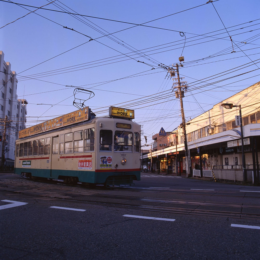 200381